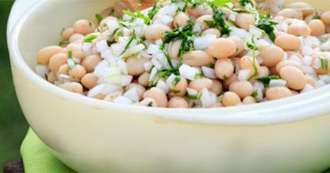 Cocina casera/ensaladas.   Hoy vamos a cocinar otra de las clásicas recetas caseras que mezclan el llamado poroto o frijol con más ingredie...