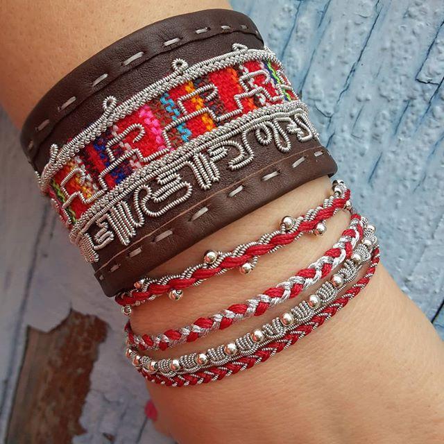 Bracelet broderie Tribal Maya, Bracelet torsadé silver, Bracelet triple tressé #cuir #jewelry #designer #moda #bracelet #faitmain #hechoamano #artisan #handmadejewelry #tendencia #accesorios #luxurybracelet #amanoarte #pulcerasdecuero #pulcerasdeplata #mexicolors #gdl #artemexicano #patriciacarlosdesign #faitàmain #braceletleather