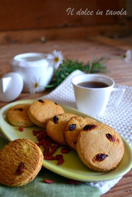 Il dolce in tavola: Biscotti con bacche di goji e miele