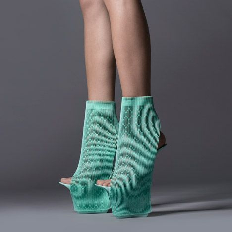 Design or not Design / Highheels / fashion / Green / at plllus