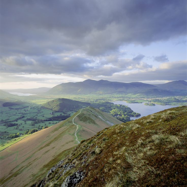 view-looking-north-from-catbells-lake-district-c2a9national-trust-images-joe-cornish.jpg (5019×5020)
