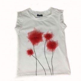 Tricou flori rosii desenate si lucrate manual