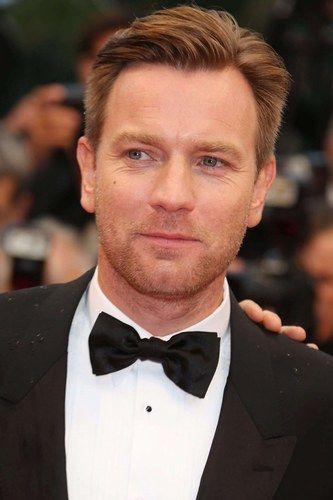 Hot Scot Ewan McGregor floats our boat.