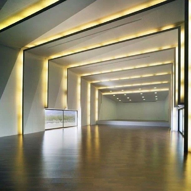 Music Hall e residência em Algueña, Espanha. Projeto de COR & Asociados. #design #iluminação #light #lighting #lightingdesign #conceito #concept #interior #interiores #artes #arts #art #arte #decor #decoração #architecturelover #architecture #arquitetura #design #projetocompartilhar #davidguerra #shareproject #musichall #casa #residência #house #algueña #espanha #españa #spain #cor&associados