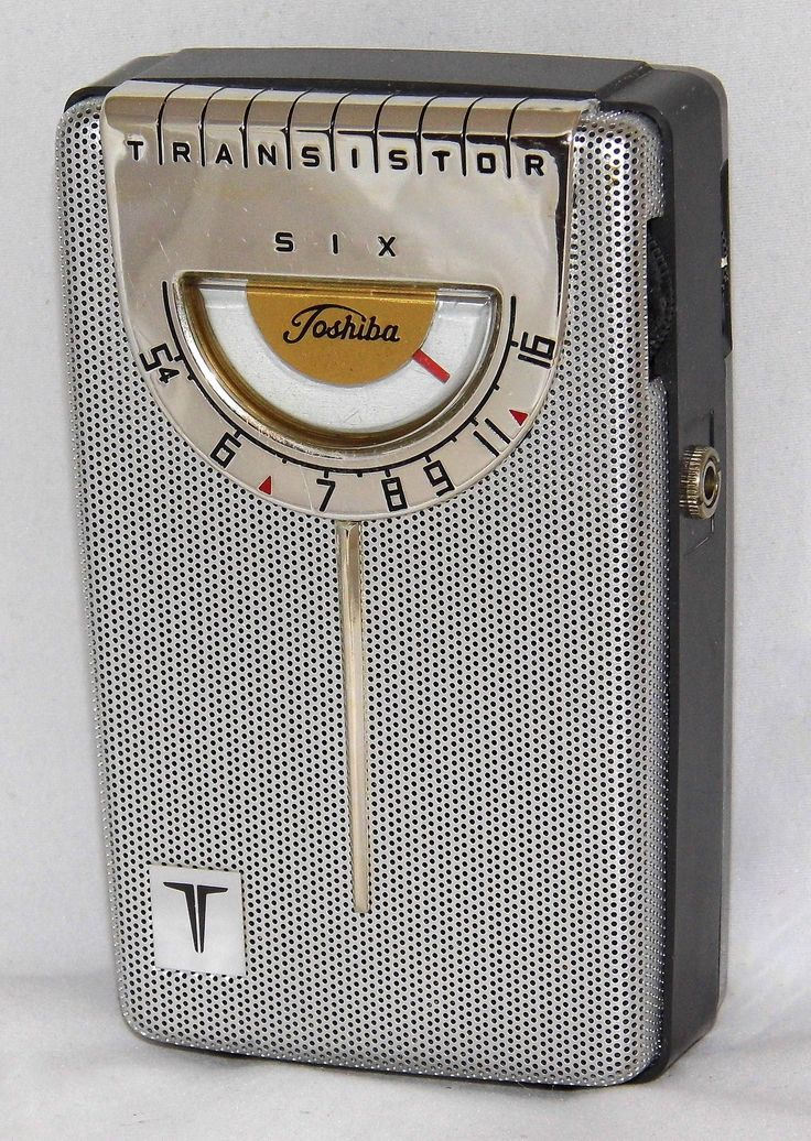 https://flic.kr/p/xrm6so | Vintage Toshiba Model 6TP31A Transistor Radio, AM Band Only, 6 Transistors, Made In Japan, Nicknamed The Bathroom Scale, Circa 1962