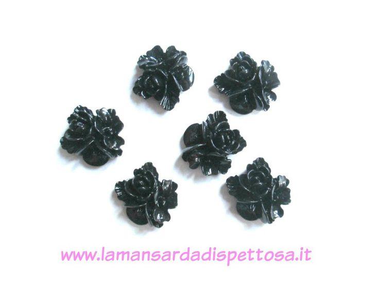 Cabochon in resina - 1 coppia cabochon fiori neri - un prodotto unico di Lamansardadispettosa su DaWanda