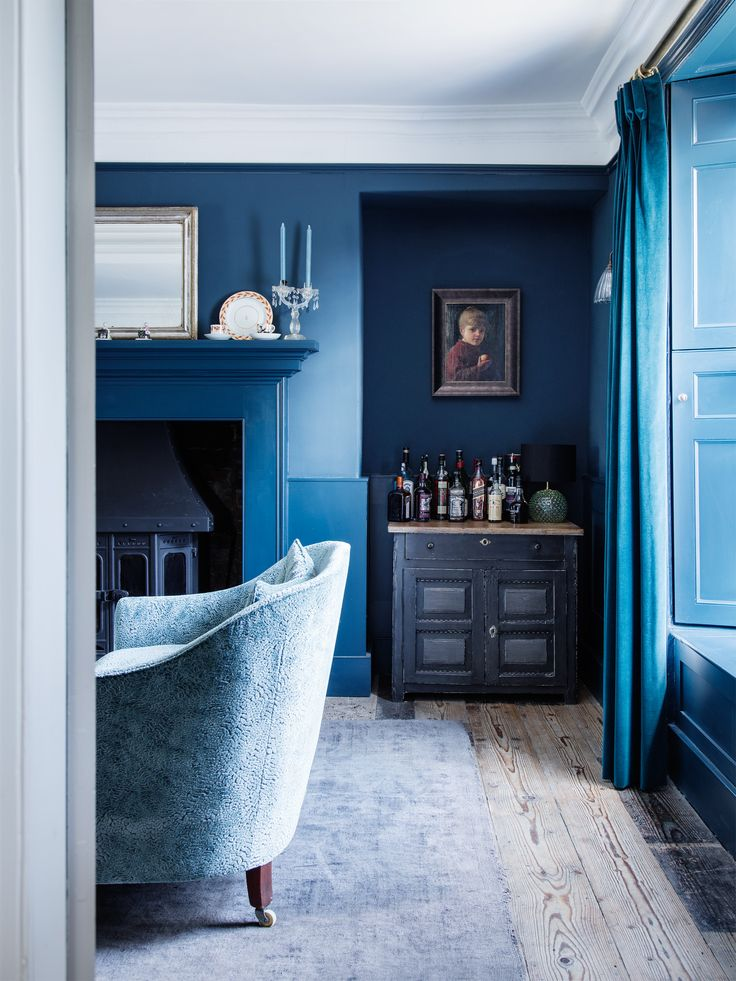 Living Room in Blue Dorset House by Mark Lewis, Photo by Rory Gardiner