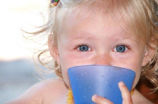 Mamiweb.de - Was und wie oft soll mein Baby trinken?