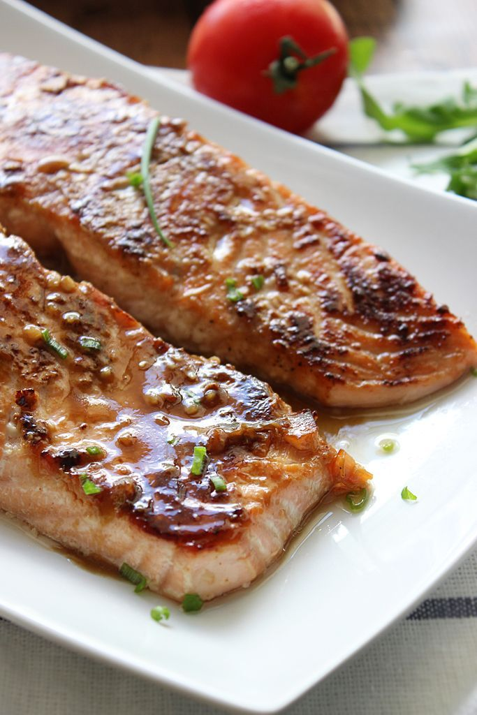 Honey Garlic Salmon by the cookingjar:  Made with a sweet and savory marinade and sauce of garlic, ginger, honey and soy sauce. 30 minutes. #Salmon #Honey #Garlic #Fast #Healthy