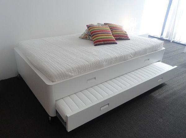 ligne roset travel studio master meubel design. Black Bedroom Furniture Sets. Home Design Ideas