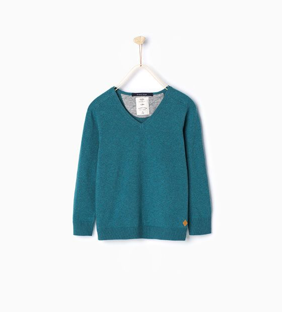 Knit sweater with v-neck