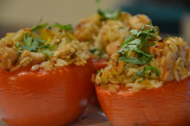 Tomates rellenos con arroz integral / Brown rice stuffed tomatoes