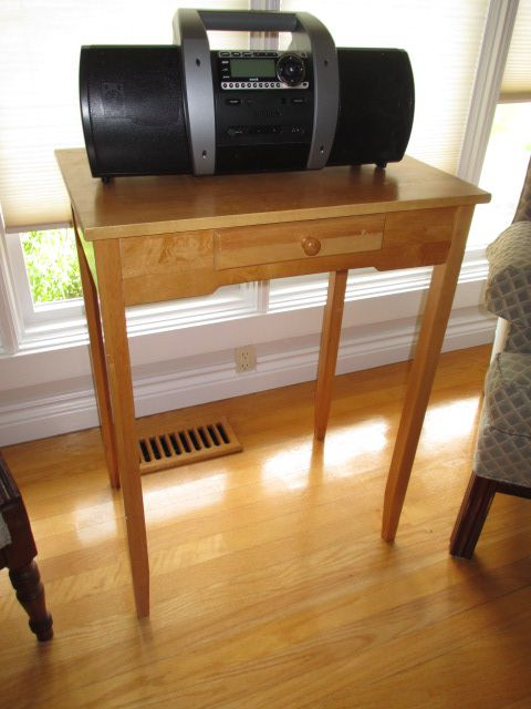 VINTAGE WALL TABLE Estate sale from graceful Bell's Corners home – 70 Ridgefield Crescent, Ottawa ON. Sale will take place SUNDAY, May 24th 2015, from 9am to 2pm. Visit www.sellmystuffcanada.com for full sale description and photos of all available items! #70Ridgefield #SMSO