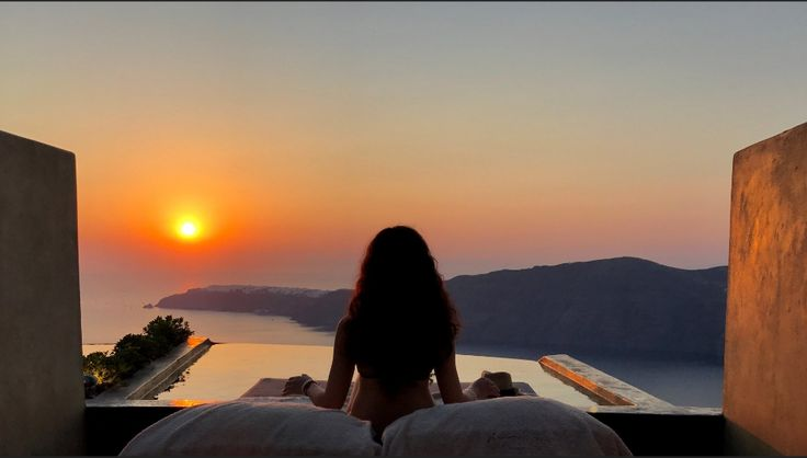 Feel free to come and discover sunsets perfectly designed for you.
