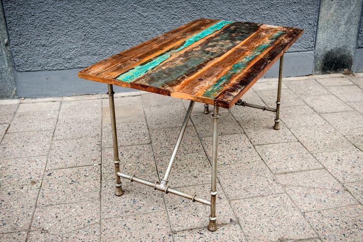 Fällbart bord med återvunnet trä | TELLING STORIES