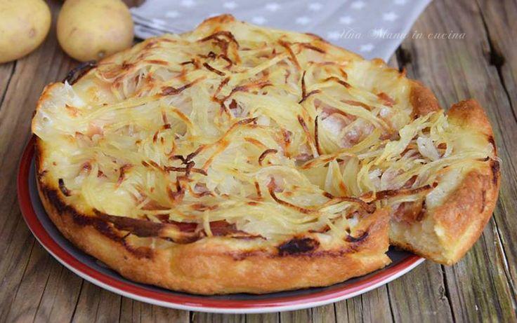 Focaccia con speck, patate e mozzarella