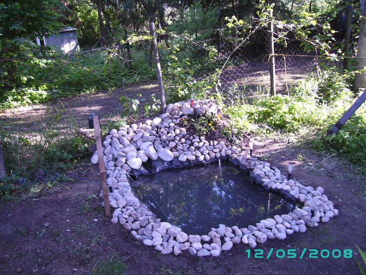 Kleiner gartenteich mit mini springbrunnen f r 100 150 kerzen garten kleiner - Kleiner springbrunnen garten ...