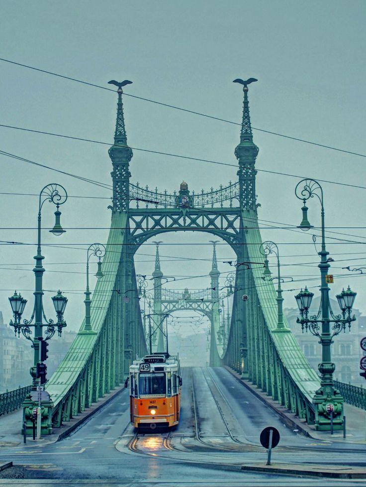 https://flic.kr/p/R1NsbM   Liberty bridge-Budapest(Szabadság híd,és a 49-es villamos)