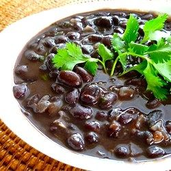 Best black beans. First drain and rinse beans. Fry the onions until soft and almost browned, add the garlic and sauté for just 15 to 20 seconds more, then add beans and 1 cup chicken or beef broth. Simmer until ready to serve, at which time you add the cilantro.