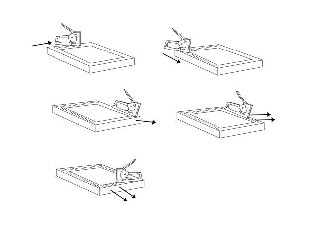 Mojar muselina y ponerla sobre el marco de madera (aproximádamente 40×40 cm). Proceder a engrapar la tela desde la parte superior con una cinta ancha en los bordes, tirando siempre en la dirección contraria a donde se están poniendo las grapas. Cuidar que la tela quede con una tensión adecuada en todas las direcciones.