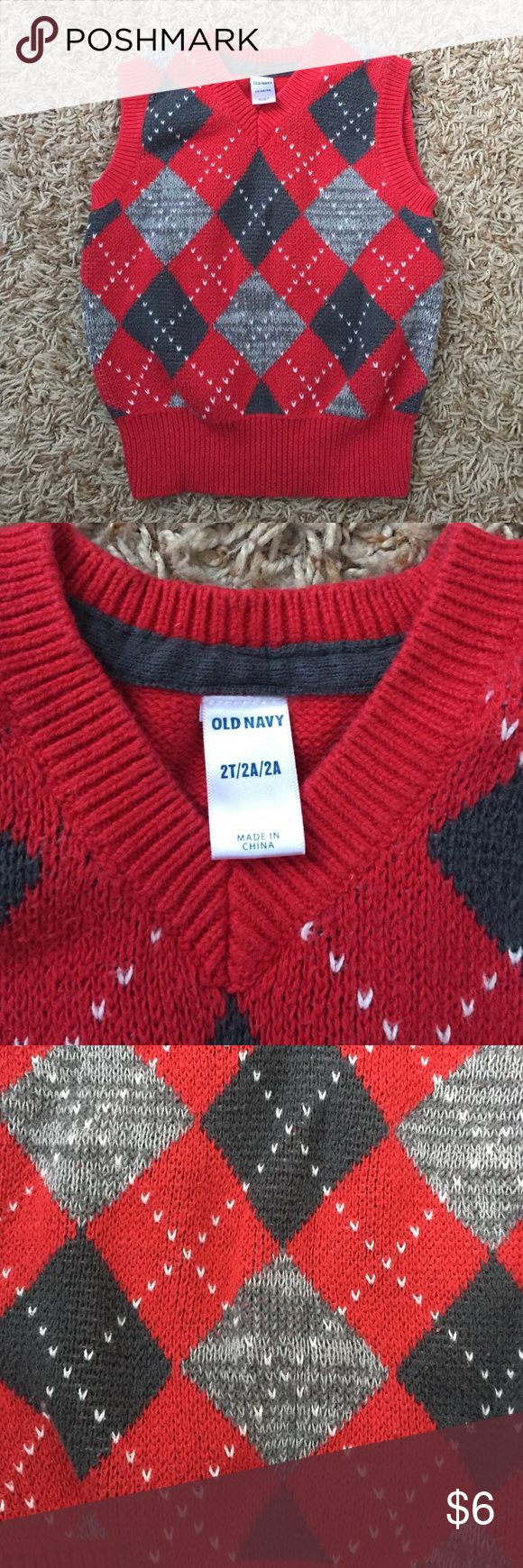Old Navy red/gray argyle sweater vest, size 2T Great sweater vest for your little man for the holidays! Old Navy Shirts & Tops Sweaters