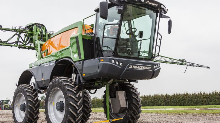 New #Pantera 4502-H with a ground clearance of 1.7 m!
