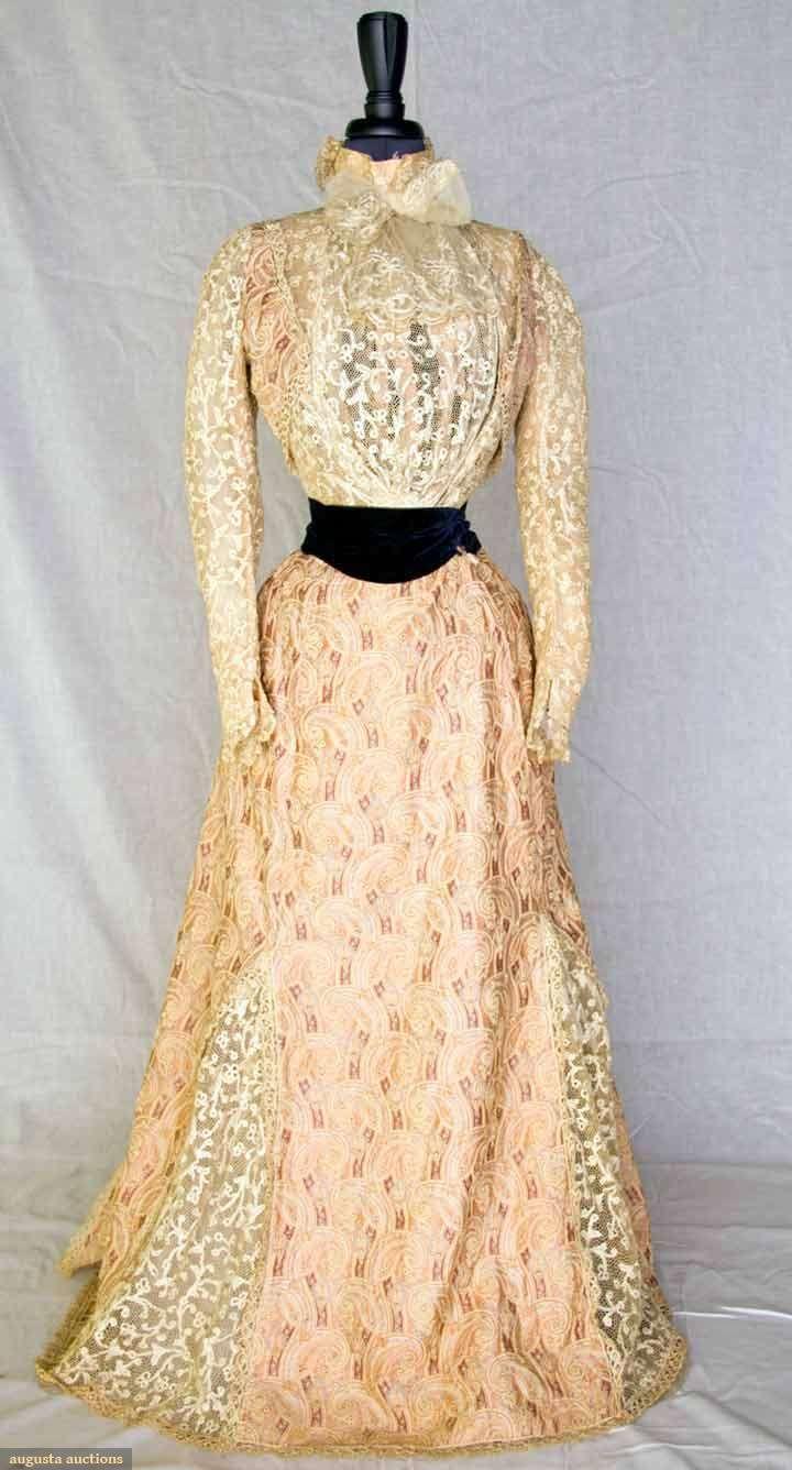 Belle Epoch Tea Gown, Paris, 1900-1905, Augusta Auctions, November 10, 2010 - St. Pauls - NYC, Lot 122