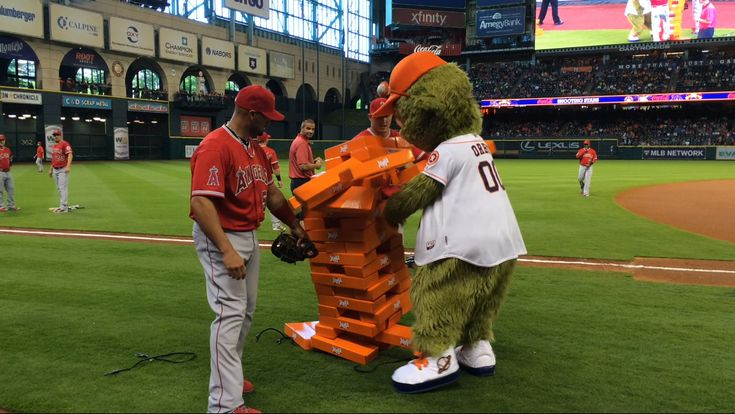 Orbit played Jenga with Albert Pujols and Mike Trout and it did not end well | MLB.com
