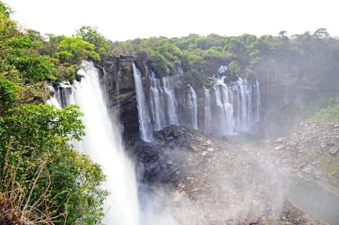 Cataratas de Kalendula. Sobran las palabras « Angola: la tierra el Imbondeiro