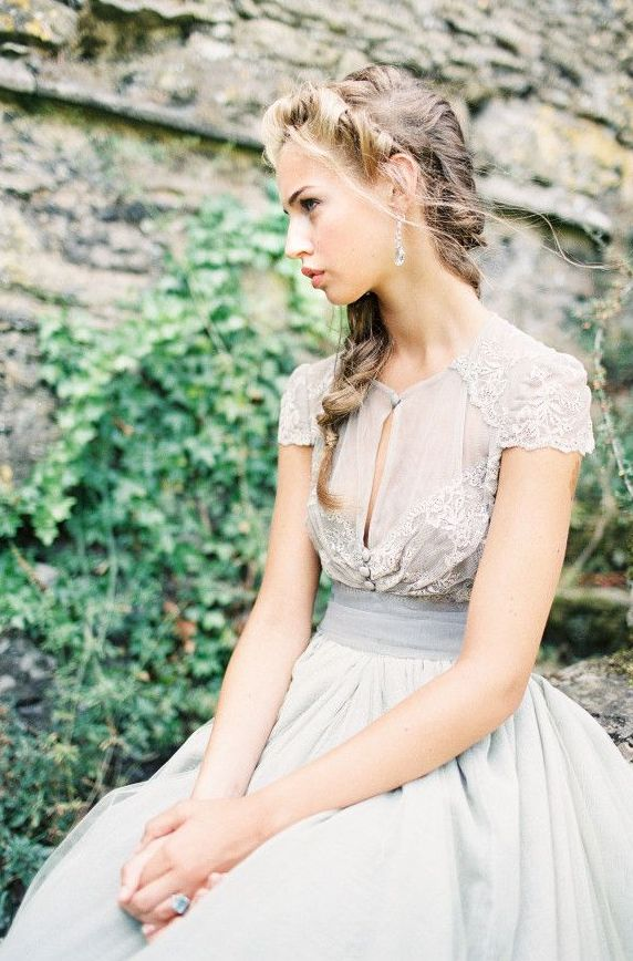25 Best Wedding Dresses for a Fine Art Bride - Wedding Sparrow | D'Arcy Benincosa Photography + Maria Luisa Rabell gown