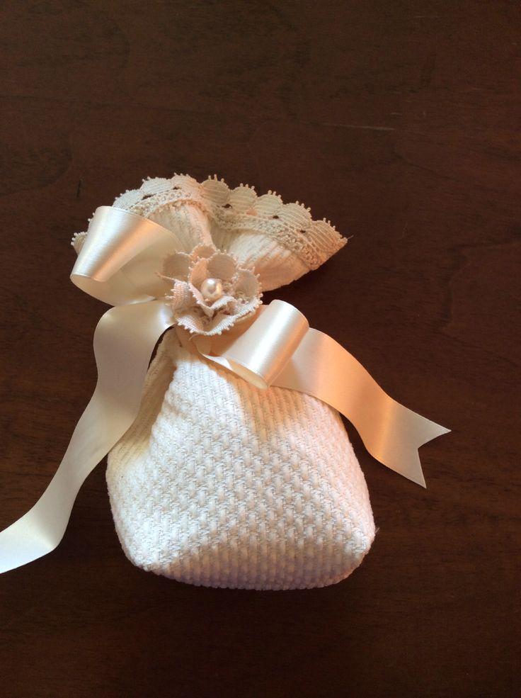 Sacchettino confetti realizzato da Vilma Perego Milano