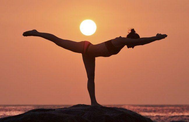 Training & Wellness in einem: 6 Yoga-Übungen für straffe Beine