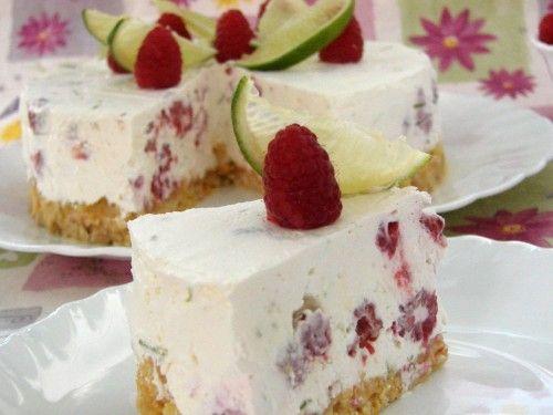 Sütés nélküli túrótorta málnával – fantasztikus édesség villámgyorsan!