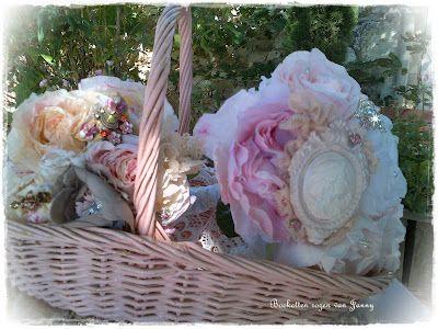 Rozen van Papier: Mijn nieuwste vintage rozen van papier met sieraden