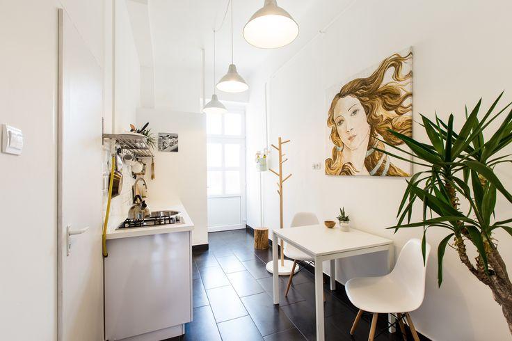 https://www.airbnb.hu/rooms/2861469  - oldiart - Venus painting / print - kitchen, dining