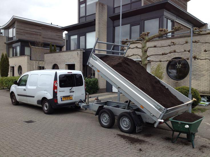 Hovenier in Aalsmeer uw specialist voor persoonlijke én kwalitatieve verzorging bij het aanleggen, renoveren en onderhouden van uw tuin, patio en balkon. Voor zowel particulieren als bedrijven in Aalsmeer en omgeving.