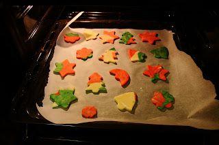 Ania mama Agnieszki: Kolorowe ciasteczka kruche