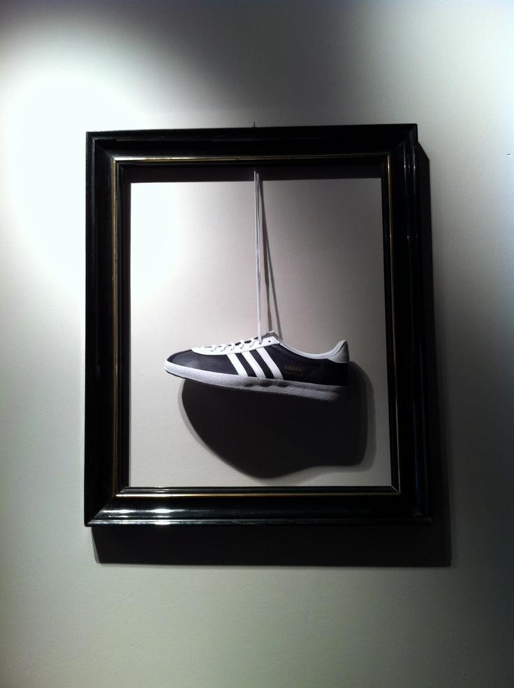 Adidas Gazelle OG exhibidas como una obra de arte en La Nobi :)