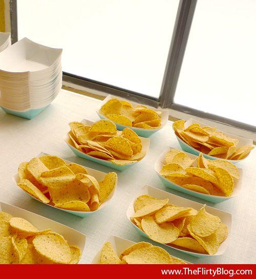 Google Image Result for http://3.bp.blogspot.com/-1jiJosK1Y78/Te-66RTIKtI/AAAAAAAAPSc/zKEUjW4sgaY/s1600/party-tortilla-chips-nacho-bar.jpg