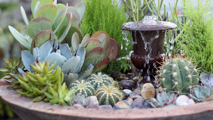 You might not think that succulents and fountains go together, but the folks over at Garden Answer have come up with this cool design as part of their Triple Urn…