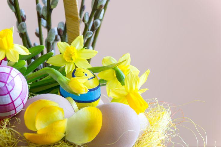 Z okazji nadchodzących Świąt Wielkanocnych składamy Państwu najserdeczniejsze życzenia: zdrowia, szczęścia i radości, samych słonecznych dni oraz sukcesów w życiu prywatnym i zawodowym.