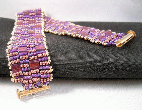 Seadbeady Paars Goud Square Stitch Armband met Tila door Seadbeady