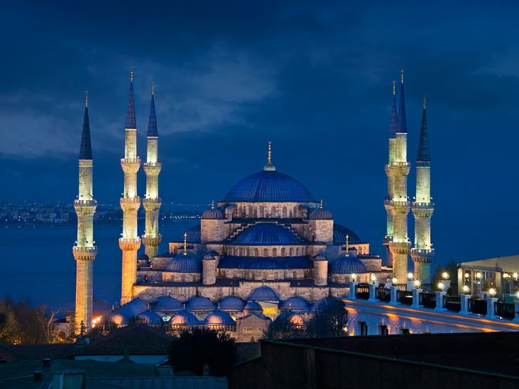 6 airports with free tours...istanbul and singapore are ones i've been to but didn't know about the tours.