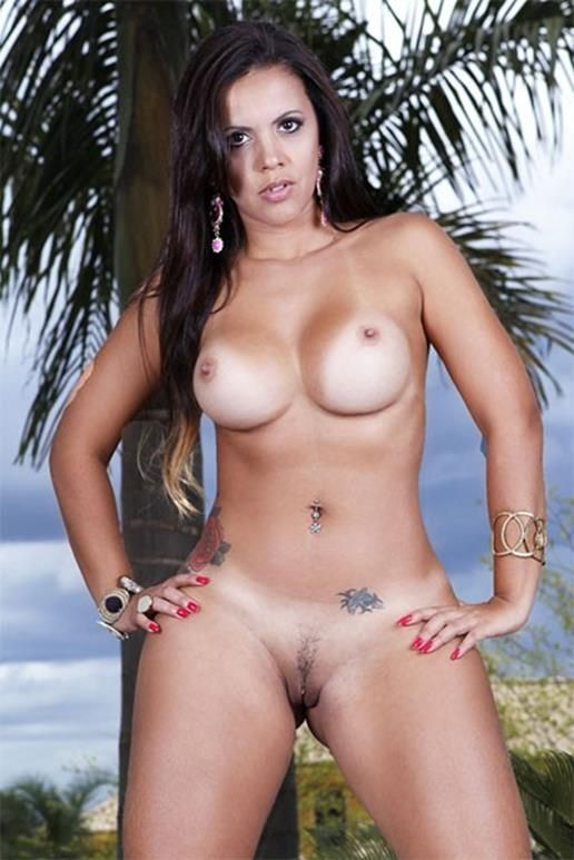 curvy and taned nude