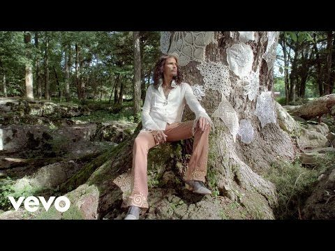 "Steven Tyler's Country Song Is Absolutely Brilliant – ""Love Is Your Name"" 