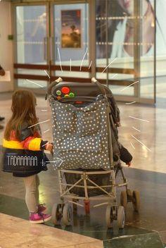 Le sac à poussette, pour mettre tout un attirail dedans.
