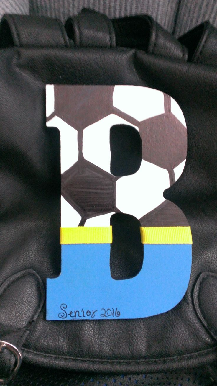 I made these for our Senior Night goody bags. Soccer, school monogram.