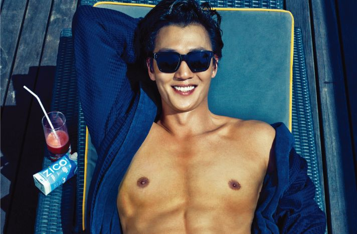 Kim Rae Won #Cosmopolitan May 2015.#photoshoot at Luna2 private hotel