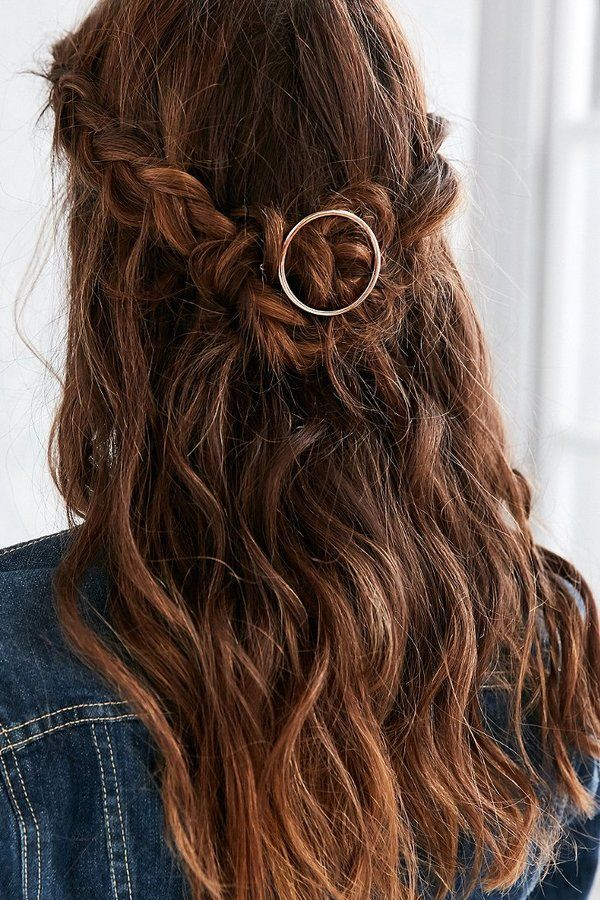 gold circle hair clip ($12) as seen on thebeautydepartment.com
