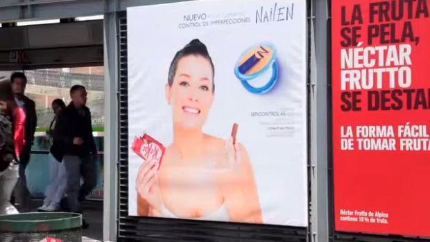 """Kit Kat """"trollea"""" las vallas publicitarias para que los modelos se tomen un respiro"""